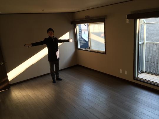 その他 - 新宿、渋谷まで15分♪家賃3万キリ!25畳の広々リビング♪空室残り3つとなりました!} - ルームシェアルームメイト