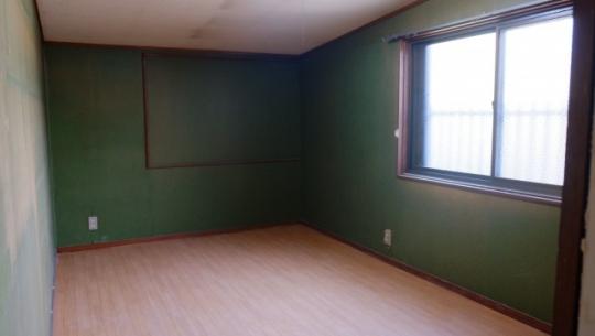 個室 - 【京都】30人の若者がおうち6軒をシェアするシェアハウス@伏見} - ルームシェアルームメイト