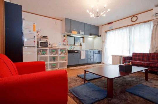 リビング - 京都 二条駅 / 外国人との交流を楽しみたい方、募集} - ルームシェアルームメイト