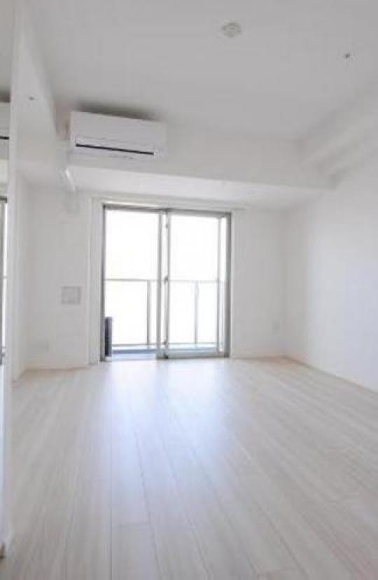 個室 - 【初期費用0円物件】本当に1円も必要なし} - ルームシェアルームメイト