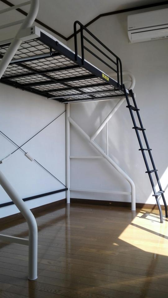 個室 - 家賃24000円から。全室フローリングの個室。鍵、エアコン、冷蔵庫付き。東上線上福岡駅徒歩6分。} - ルームシェアルームメイト