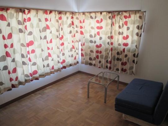 個室 - 洋室6畳+6畳の2室あり+4畳の大きなベランダあり2階の日当たりの良い南向き+10畳の共用リビング付きで3.9万円/月} - ルームシェアルームメイト