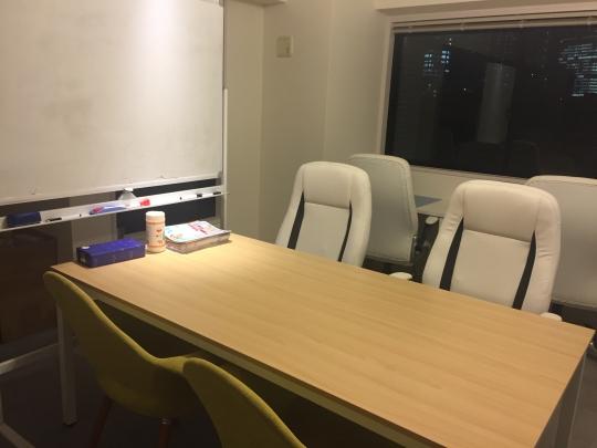その他 - らせん階段のおしゃれなメゾネットタイプ♪ TBS裏のオフィス 40,000円~} - ルームシェアルームメイト