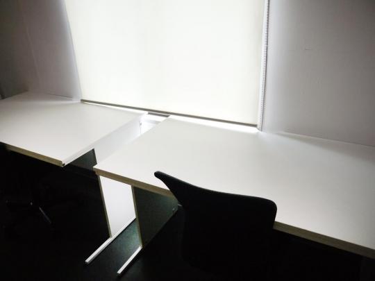 机 - 原宿のアートギャラリーでオフィス、アトリエシェア} - ルームシェアルームメイト