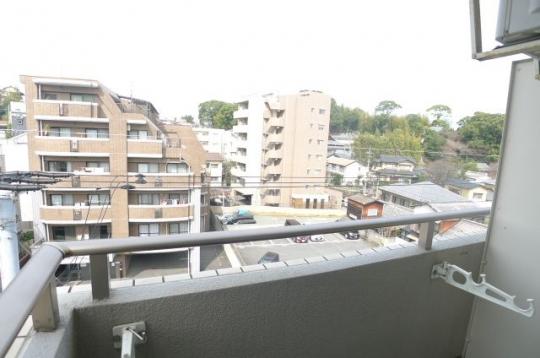 眺望 - 福岡市中央区。地下鉄 駅近、バス停も近くです。} - ルームシェアルームメイト