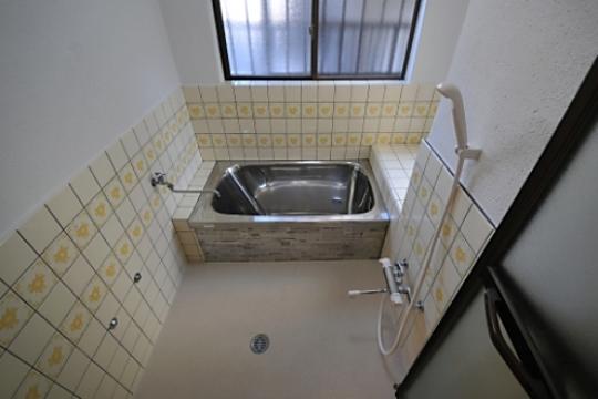 シャワー - 四つ木駅徒歩2分 全室鍵付き個室 フルリノベーション女性専用。好立地、都心へ好アクセスです} - ルームシェアルームメイト