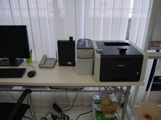 OA機器 - 大阪市中央区にあるオフィスビル、駅近オフィスをお貸しします} - ルームシェアルームメイト