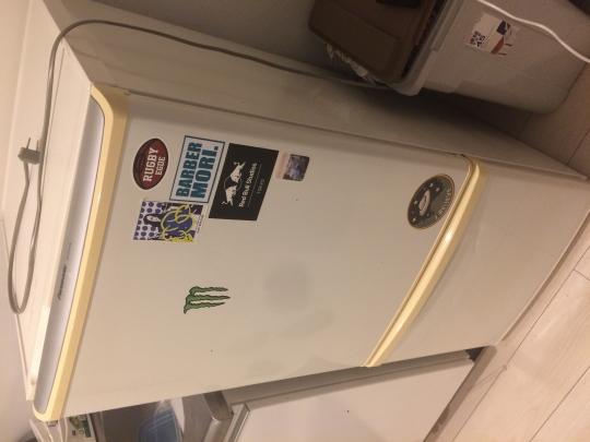 本体 - 冷蔵庫、洗濯機引き取ってください} - ルームシェアルームメイト