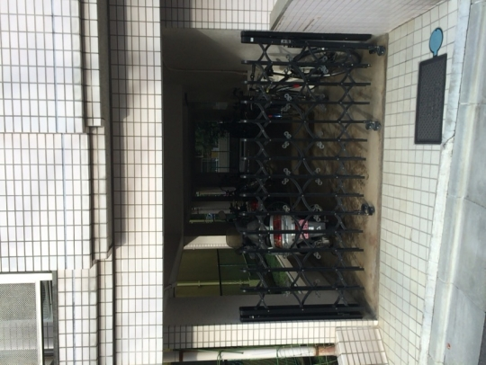 周辺 - バイク駐輪場 JR蒲田徒歩4分 屋内} - ルームシェアルームメイト
